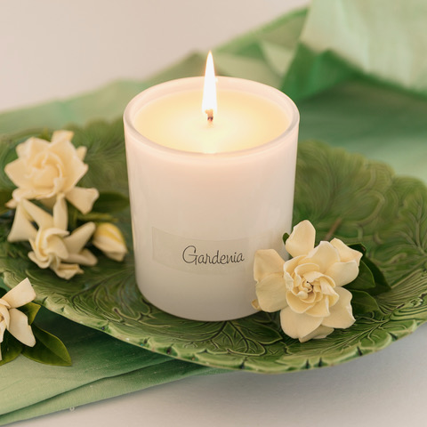 Hand made in Melbourne - this gardenia scent is a beautiful soft floral scent that is classic and timeless.