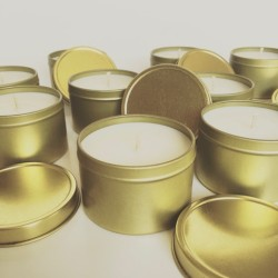Baie Candles Gold tin range